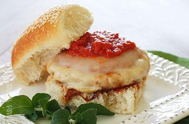 Chicken Parmigiana Burgers — Punchfork | Food! | Pinterest