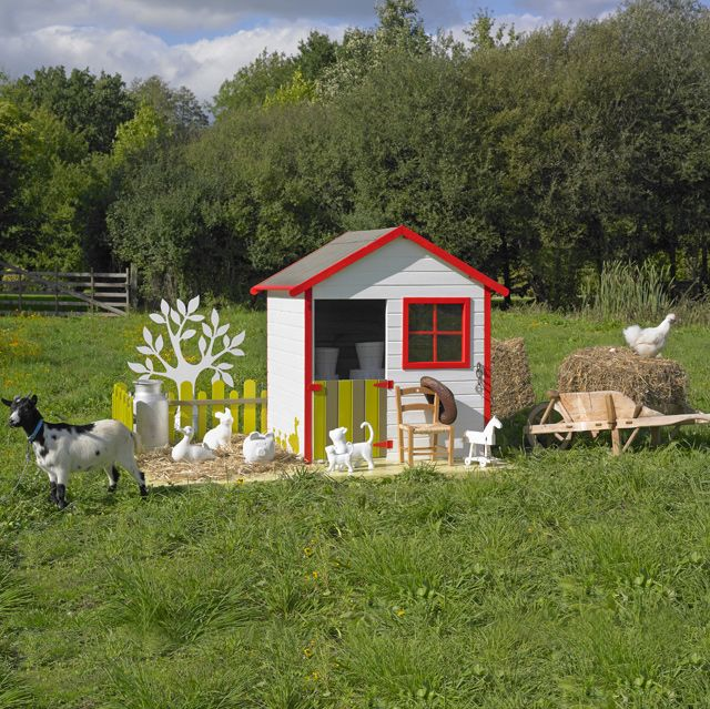 Adorable farm playhouse