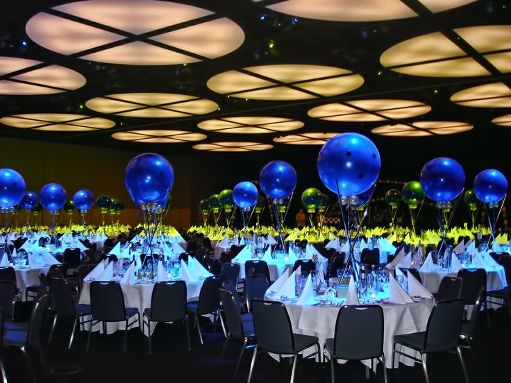 Table decor and centerpieces for your corporate event can for Balloon decoration for corporate events