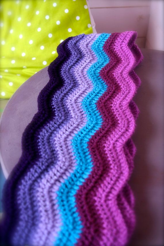 Crochet Pattern Ripple Shawl : Colour Wave Crochet Ripple Scarf