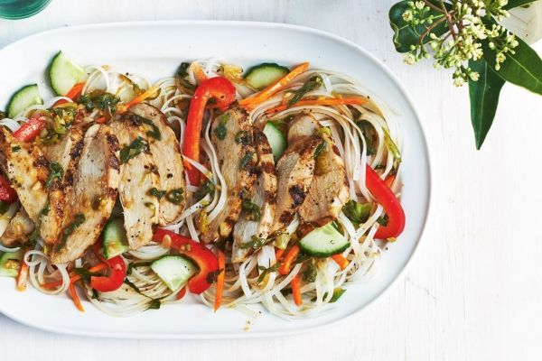 Spicy Ginger and Green Onion Noodle Salad With Grilled Chicken