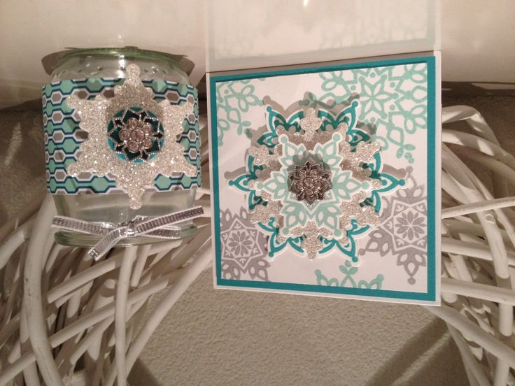 Lovely shimmery snowflakes from Mariska Van Der Linde, one of demonstrators from The Netherlands