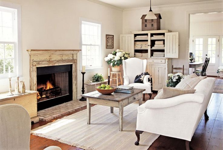What's not to love about this living room?     #livingroom #decorating