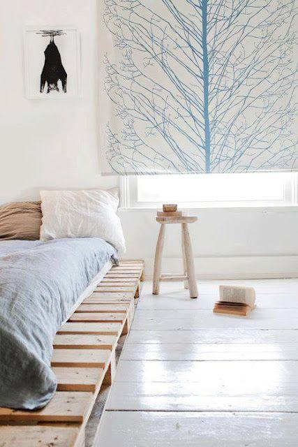 bed on pallets #diy #wood
