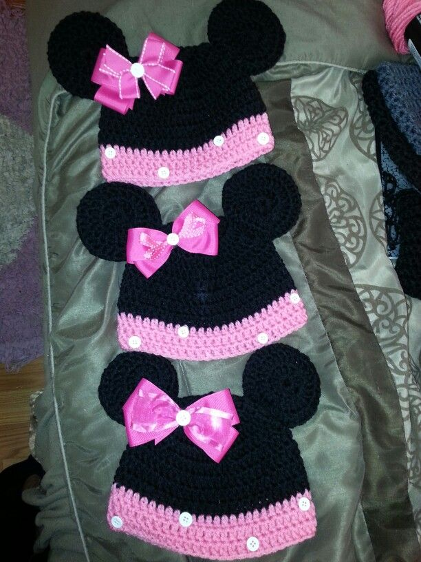 Minnie Mouse Crochet Baby Hat Pattern : Minnie Mouse crochet hats Crochet Hats - Characters ...