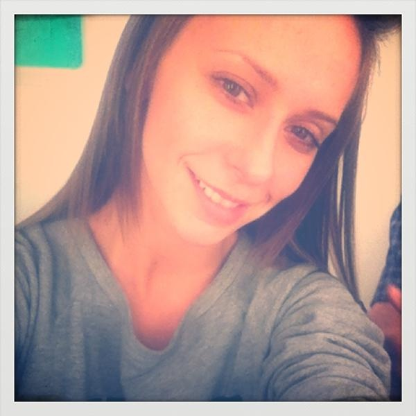 Jennifer Love Hewitt - No makeup, no photoshop, still glowing...