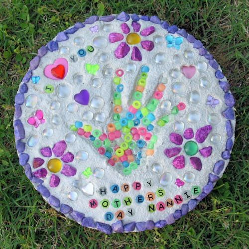Stepping stone handprint craft good for kids pinterest for Crafts using stones