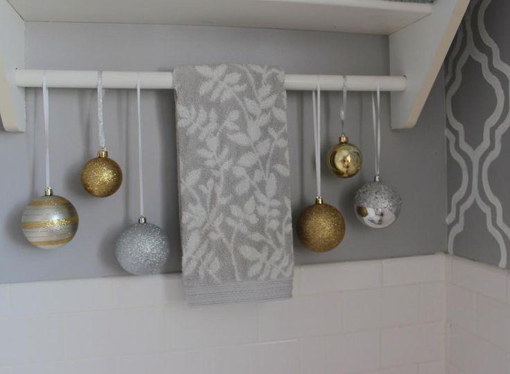 Bathroom decor - Christmas decor | Christmas | Pinterest
