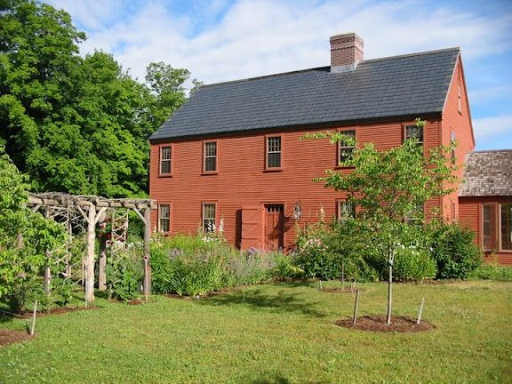 colonial saltbox home saltbox homes pinterest