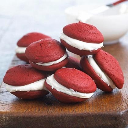 Red Velvet Whoopie Pie | Amazing food, recipes and drinks | Pinterest