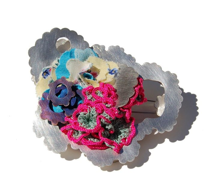 Sally Collins   Silver Reknitted brooch  http://www.sallycollins.co.uk/