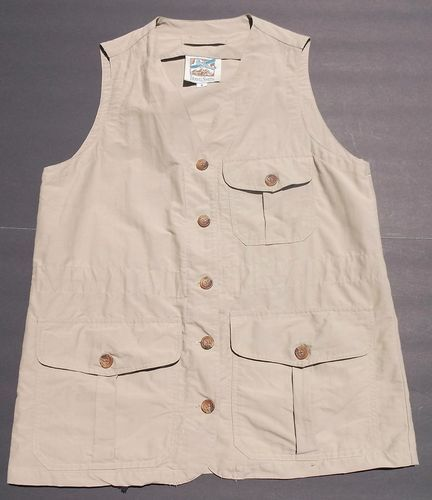 Women 39 s vest s travelsmith photography fishing hunting for Womens fishing vest