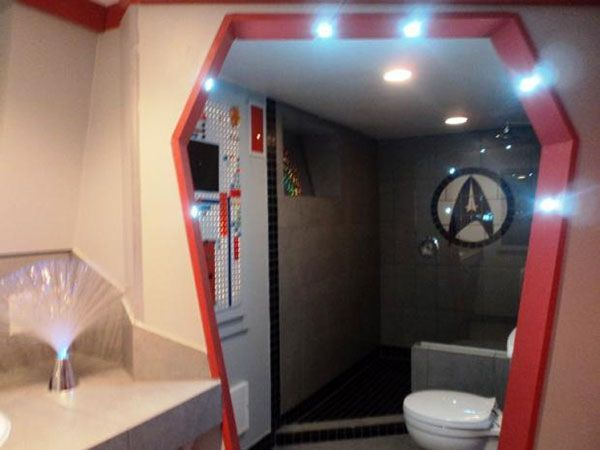 Star Trek bathroom decor. Hummm. | Bathroom Ideas