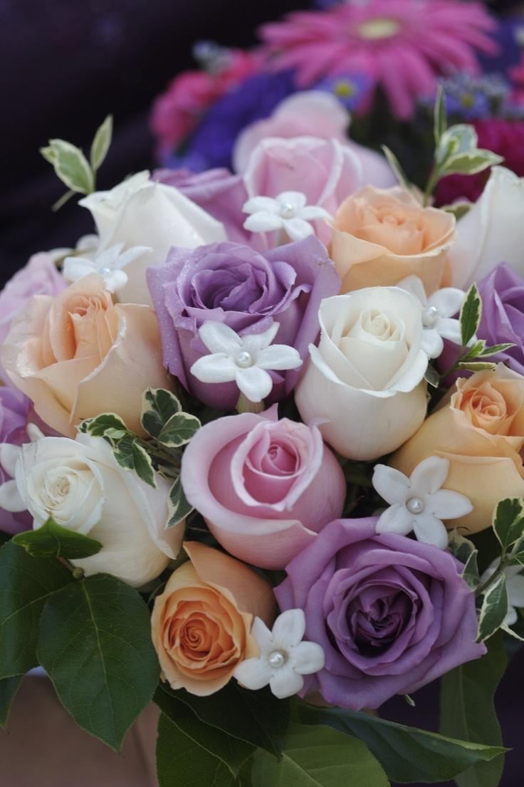 Flowers / Rose bouquet - love the colors
