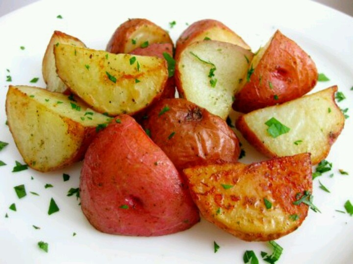 Parmesan roasted potatoes | recipes to try | Pinterest
