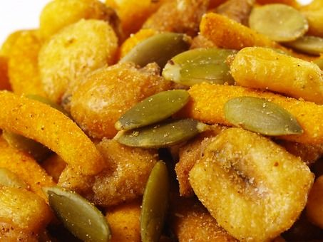 ... corn kernels, flavored sesame and corn sticks. Ideal for parties or