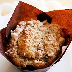 blackberry peach crumb topped muffins | blackberries | Pinterest