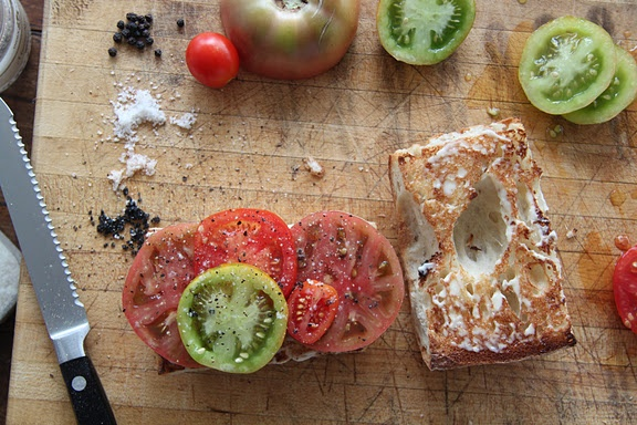Heirloom tomato sandwich. Yum. | Good Eats! | Pinterest
