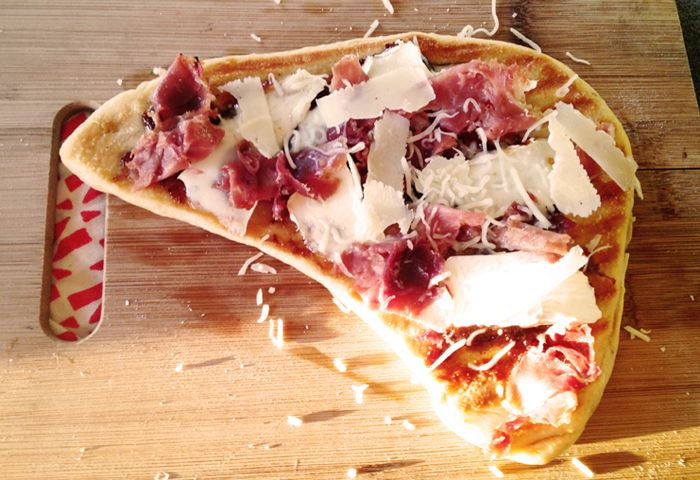 BeeStew: Prosciutto, Brie and Fig Jam Pizza