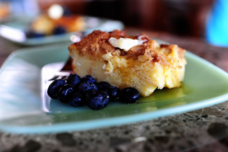 Baked French Toast - have made this before. So yummy!