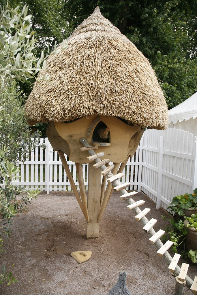 Hampton Court flower show - unusual chicken coop - photo by David Quick - Flickr - Photo Sharing!