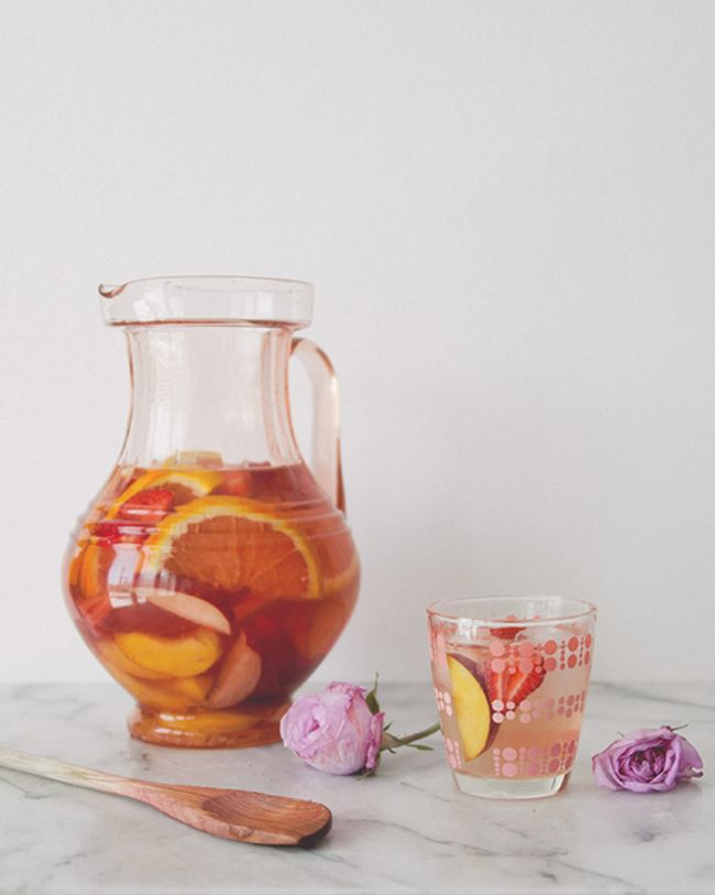 SANGRIA BLANCA // The Kitchy Kitchen   drink   Pinterest