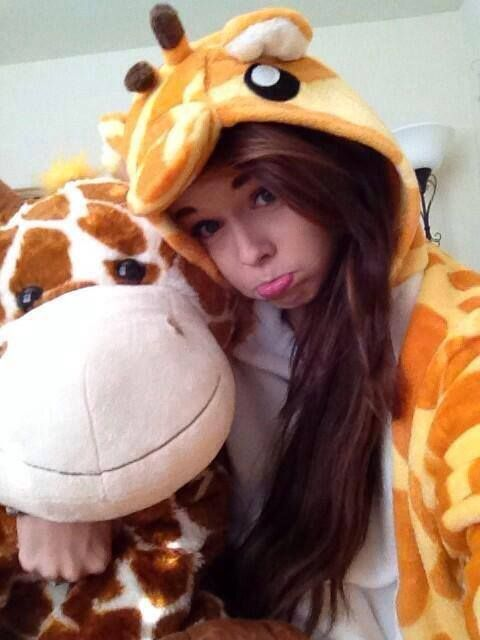 Acacia Brinley Clark #giraffe #onesie #pretty