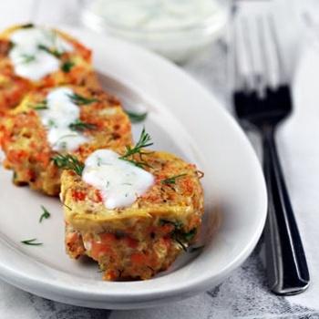 Salmon & quinoa patties with lemon-yogurt sauce