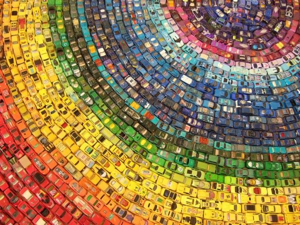 Rainbow Toy Car Installation Made from 2,500 Cars!!
