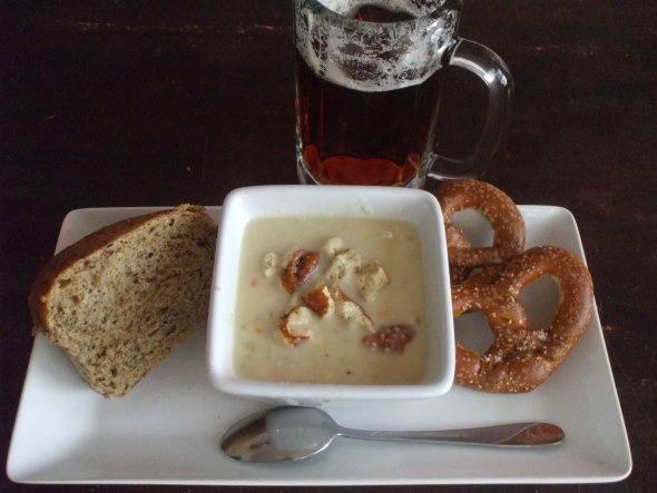 Wisconsin Cheddar Beer Soup... Making this for dinner tomorrow!