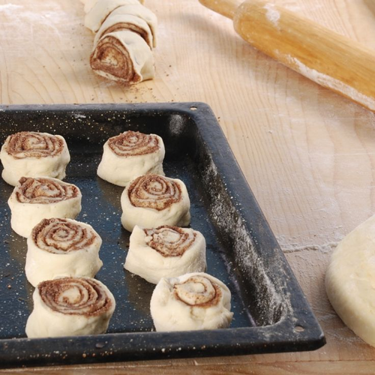 perfect cinnamon rolls are for the classic lover of cinnamon rolls ...
