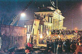 Destruction Of The Berlin Wall Germany - destruction ...