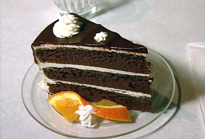 Chocolate Fudge Cake with Vanilla Buttercream Frosting and Chocolate ...