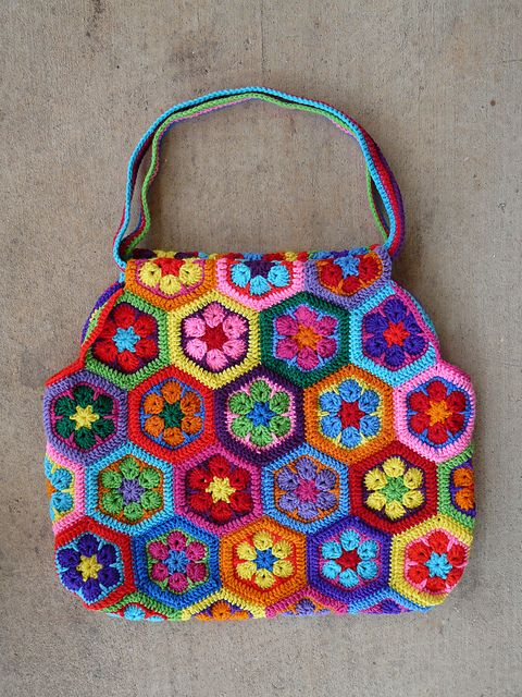 African flower pattern - Mamy bag Crochet African Flowers ...
