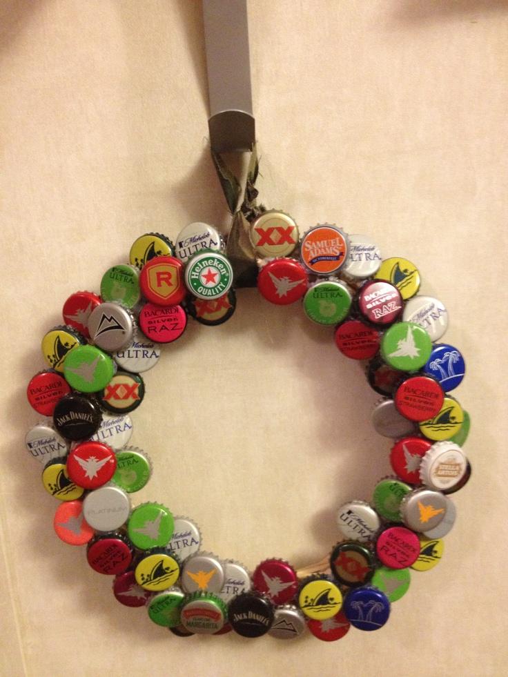 Bottle cap diy wreath diy crafts that i love pinterest for Diy bottle cap crafts