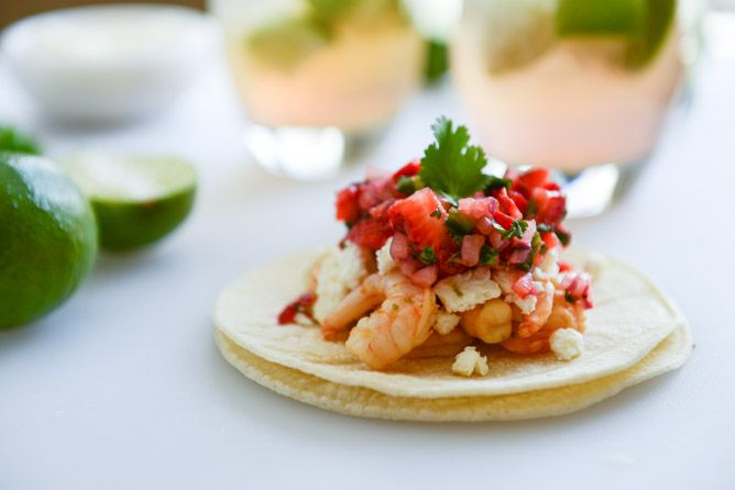 Chipotle Lime Shrimp Tacos with Strawberry Salsa. (& you can totally ...