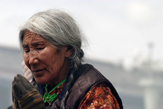 Tibetan woman   Beauty of Natural Gray Hair   Pinterest