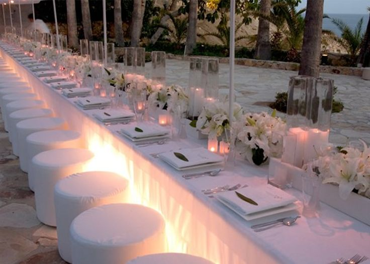 love the long table
