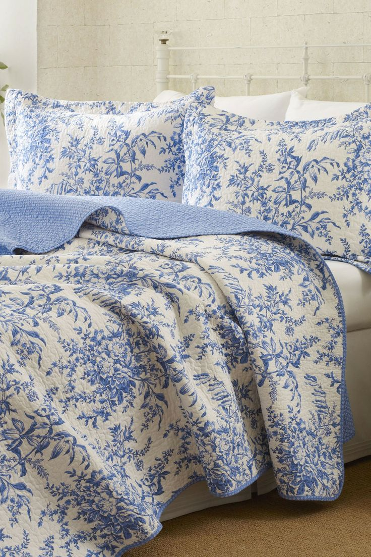 white and blue duvet cover the bedroom pinterest. Black Bedroom Furniture Sets. Home Design Ideas