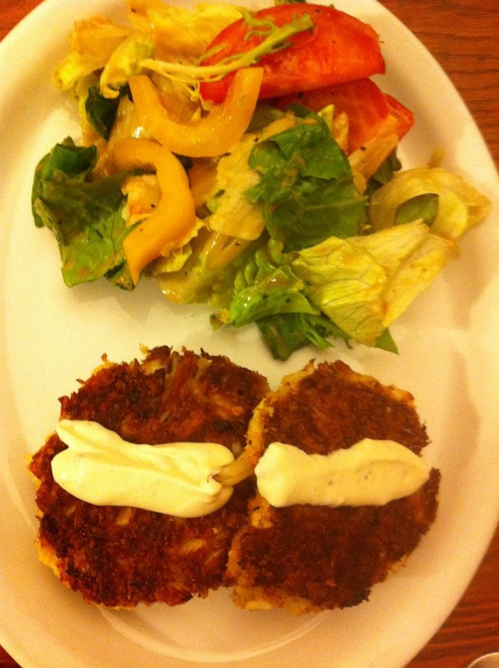 Crab Cakes with Lemon Aioli | What's for dinner tonight | Pinterest