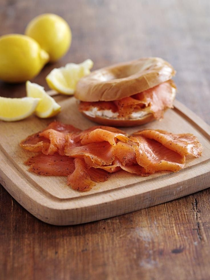 Smoked salmon and cream cheese bagel | Sandwich Heaven | Pinterest