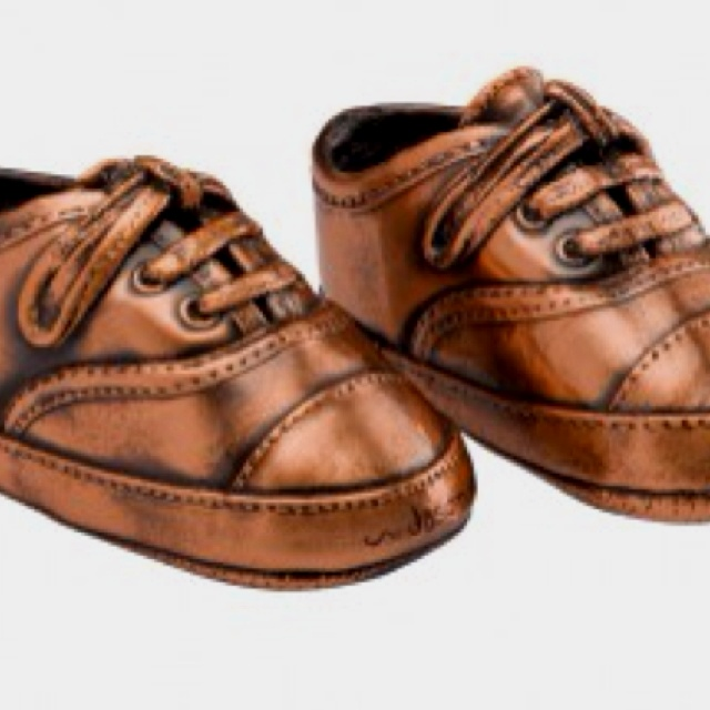 Bronzing baby shoes