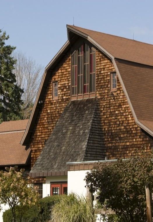 House Looks Like Barn Barns Bridges Mills Pinterest