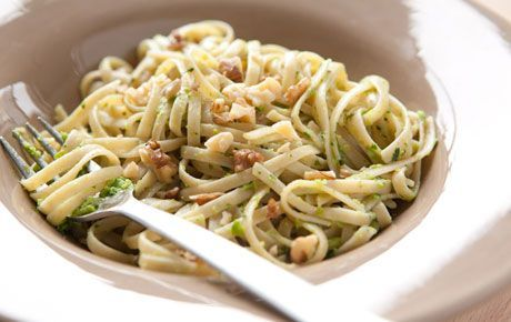 Whole Wheat Linguine with Green Pea Pesto | Recipe