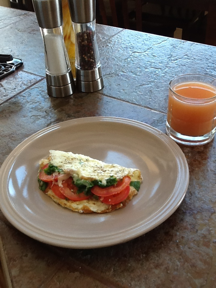 Egg white omelet with tomato, cilantro and low fat mozzarella-healthy ...