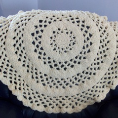 Crochet Stitches Round : Round lacy baby blanket Crochet Pinterest