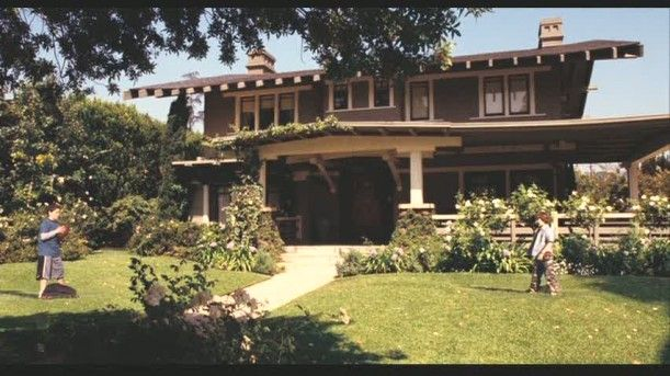 Zathura craftsman playing catch exterior pinterest for Model house movie