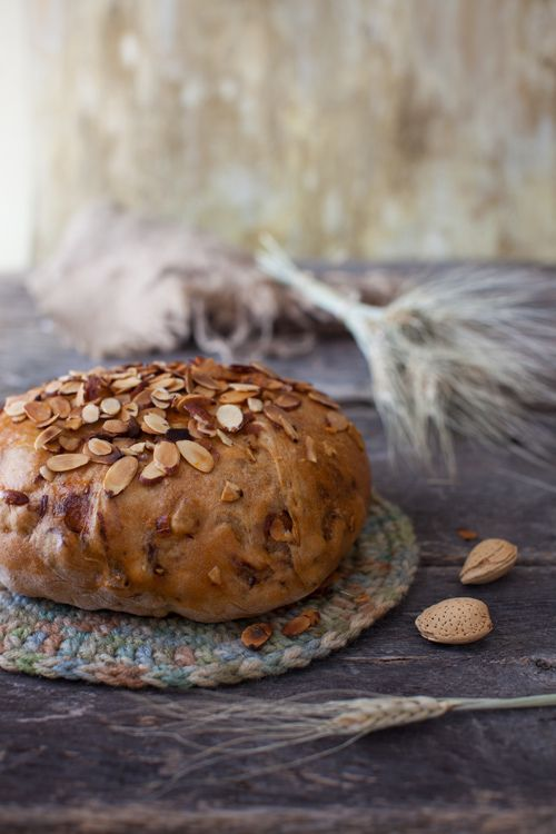 New Zealand Almond and Fig Bread | Bread | Pinterest