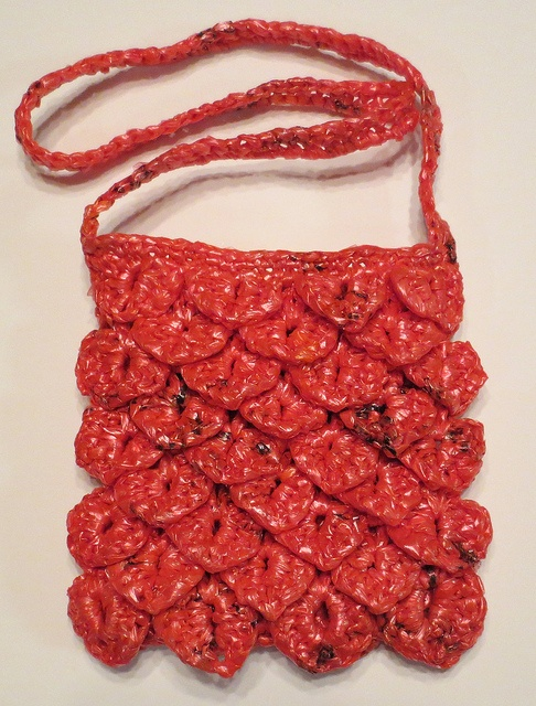 : Plarn Gator Sling Bag pattern by Cindy RecycleCindy Crochet Bags ...
