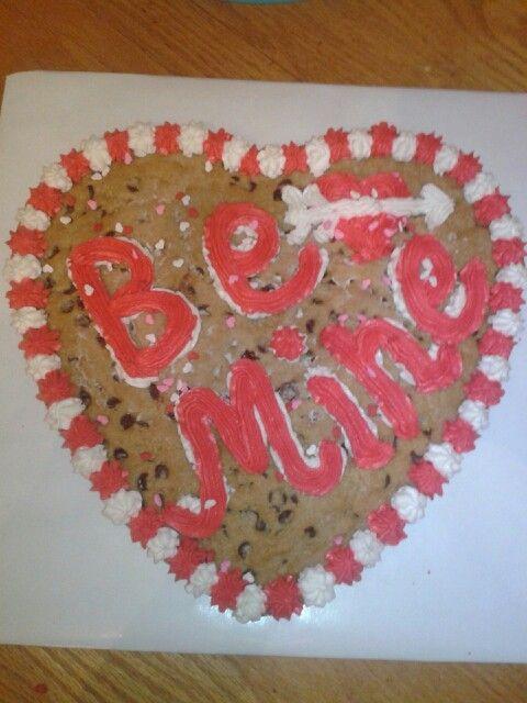 valentine's day kit kat cake